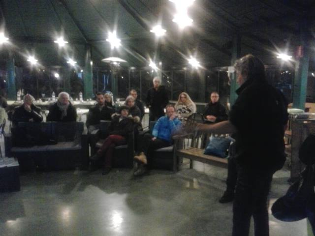 Andrea Pestarini parla alla platea